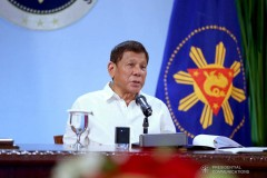 Pres. Duterte threatens to fire TRB officials for traffic gridlock caused by RFID mess at NLEX