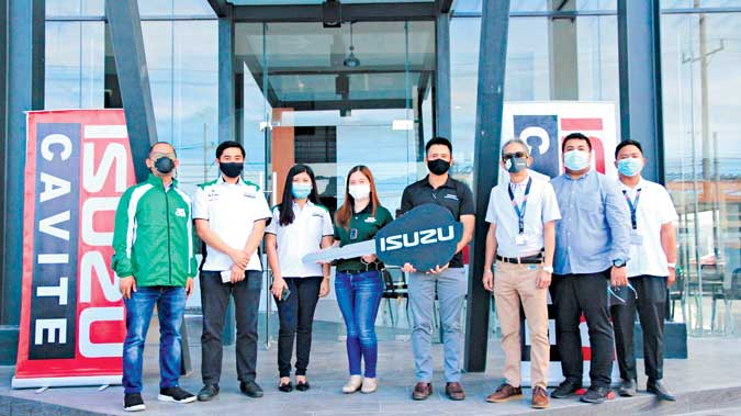 Castrol PHL takes delivery of 8 Isuzu D-Max units