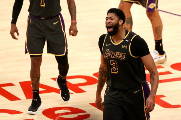 Lakers earn gritty win over Nuggets without LeBron James